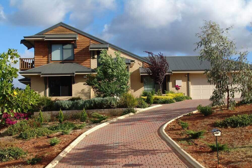 Custom built brick and timber 2 storey home in Roleystone, WA