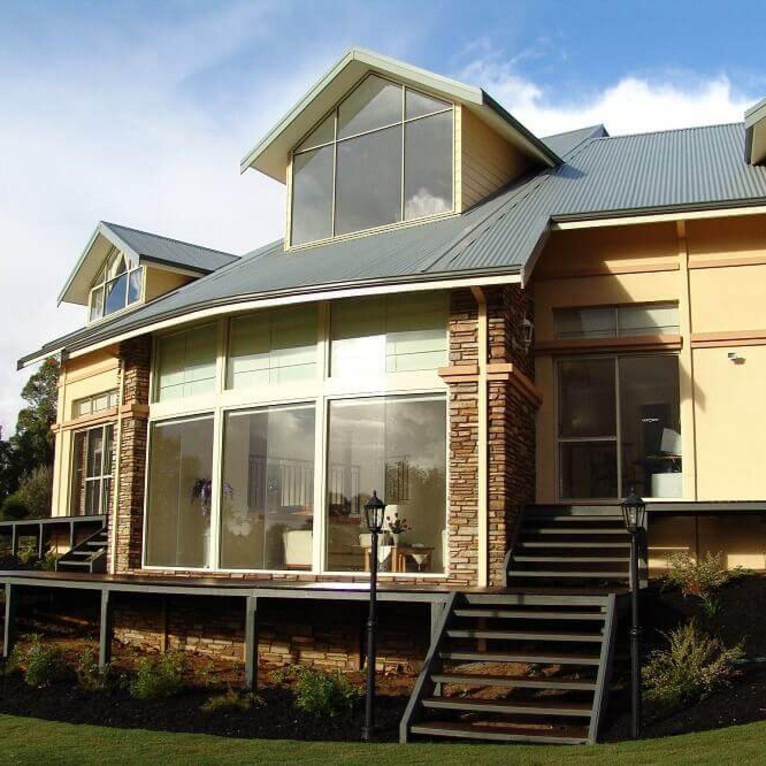 Custom built home brick colorbond Roleystone